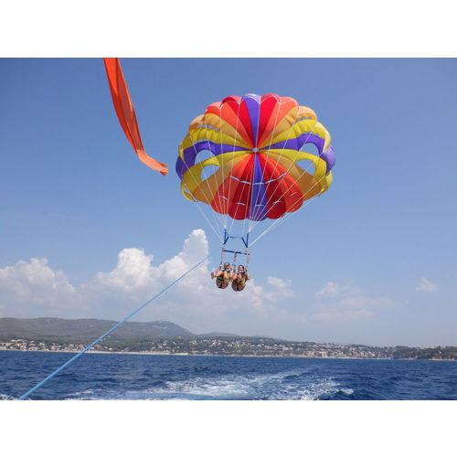 200103-090133-parachute1.jpg
