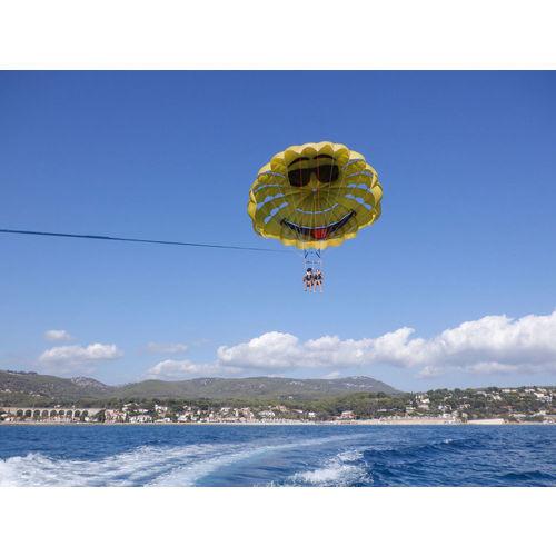 200103-100110-parachute3.jpg